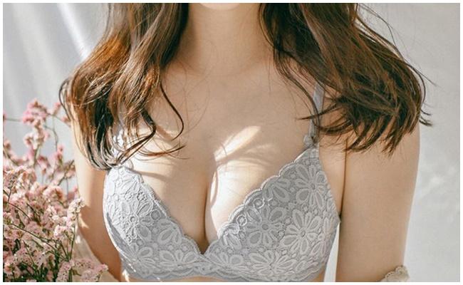 Nâng ngực tạo khe
